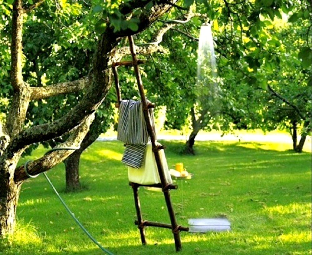 diy-outdoor-showers-apieceofrainbowblog-1b